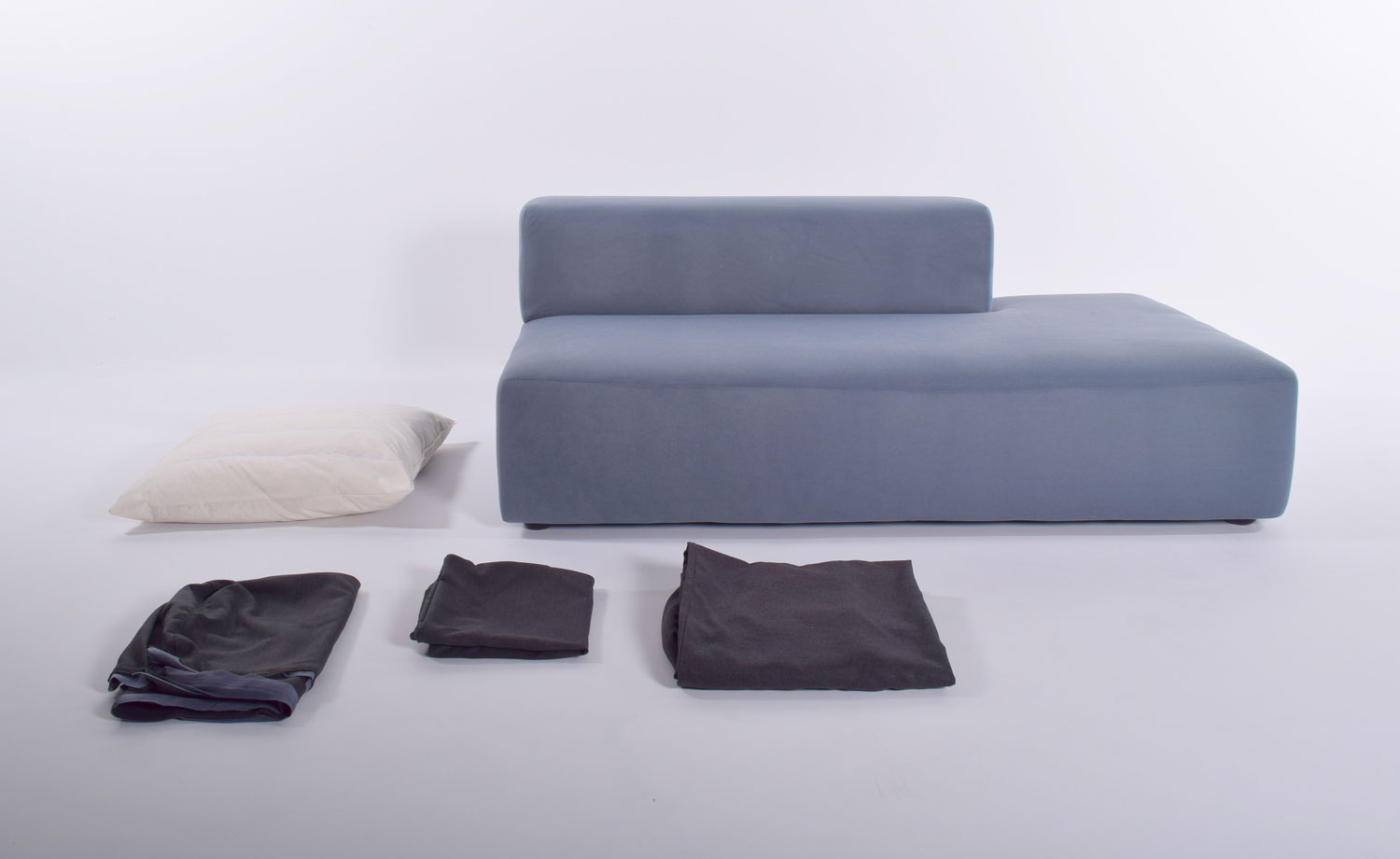 SOFAS WITH REMOVABLE COVERS, slide 5