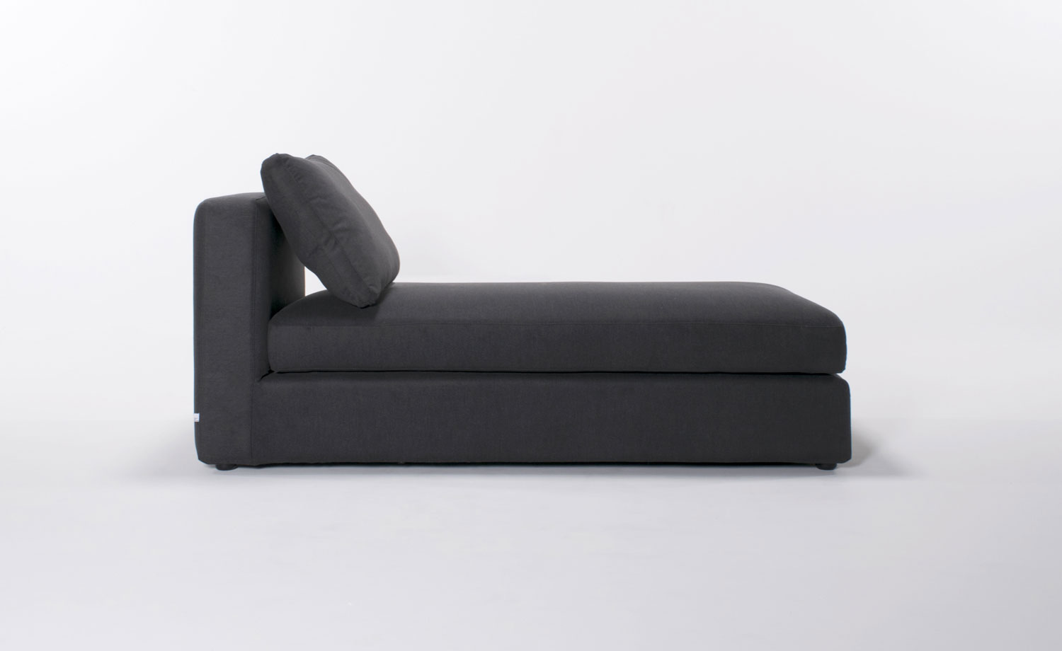 Online sofas designed in montreal l ment de base for Chaise longue montreal